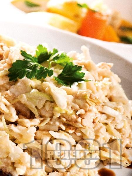 Сочна зелева салата със сметана и соев сос - снимка на рецептата